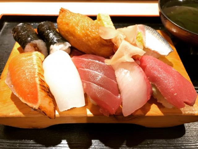 ランチ 800円 - 江戸前寿司 桜荘