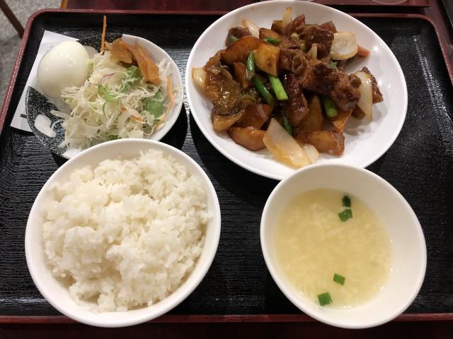 サラダはセルフサービス - Peking Hanten