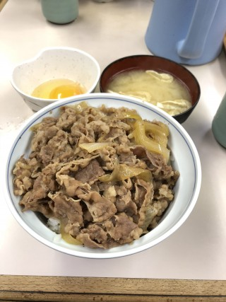牛丼 - 牛丼専門サンボ